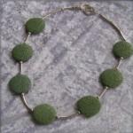 Halskette aus Lavaschmuck