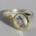 Art.-Nr. Ca- RS1375B Silberring teilvergoldet | Open Swirll , Bergkristall, 10mm, 129,0€