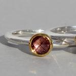 Art.-Nr. Ca- RS1382TU Silberring teilvergoldet | fine flat, 5 mm fac. Turmalin pink, 99,90€