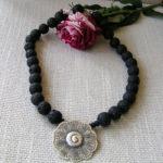 Art.-Nr. 798 Lavakugeln Ø14mm, schwarz silberne Blume aus 925 Sterling Silber, Acrylmagnetverschluss, 44,90€