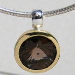 Art.-Nr. Ca-AS1302R Silberanhänger vergoldet mit Rauchquarz,14 mm Rauchquarz Swirlschliff, 159,00€
