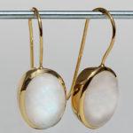 Art.-Nr. Ca- ES1201M Silberohrhänger vergoldet mit Mondstein, ca. 14x10 mm cab. Mondstein, 145,00€