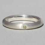 Art.-Nr. Ca-RS1603P Silberring mit Peridot | strack plain, Ø2mm fac, 49,90€