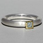 Art.-Nr. Ca-RS1601T Silberring teilvergoldet mit Topas | Strack smal, 3x3mm fac, 76,50€