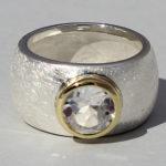 Art.-Nr. Ca- RS1627B Silberring teilvergoldet mit Bergkristall | Golan rund, Ø8mm, 139,00€