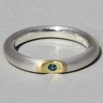 Art.-Nr. Ca- RS1616TL Silberring vergoldet mit Topas london blue| Lula, Ø1,5 mm fac, 54,90€