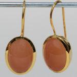 Art.-Nr. Ca-ES1201MO Silberohrhänger vergoldet mit orangem Mondstein, 145,00€