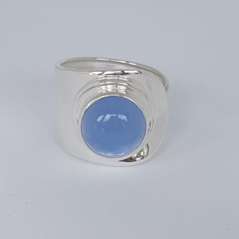 r-lo-01-009-081bc Blauer Chalzedon, Cabochon, verstellbar, Steingröße: 12mm, gefaßt in 925er Sterlingsilber, 29,00€