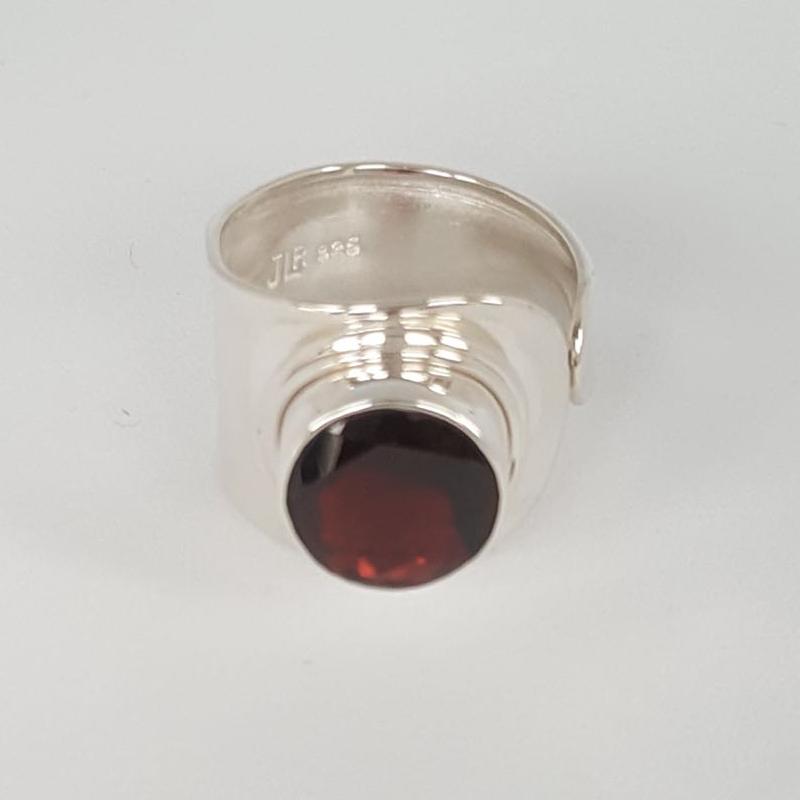 r-lo-01-009-115gr Granat , fac., verstellbar, Steingröße: 12mm, gefaßt in 925er Sterlingsilber, 29,00€