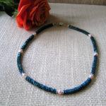 Art.-Nr. 977 Hämatitquadrate gewellt blau matt 4mm, Süßwasserperlen 4mm, 4mm Linsen aus 925 Sterlingsilber, Acrylmagnetverschluss, 49,00€