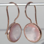 Art.-Nr. Ca-ES1631R Silberohrhänger rosé vergoldet mit Rosenquarz |Spring sparkle 12 mm fac. Rosenquarz, 175,00€