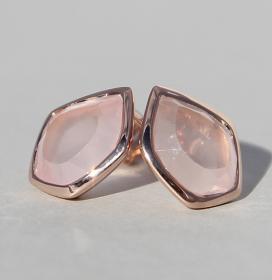 Art.-Nr. Ca-ES1354Q Silberohrstecker rosé vergoldet mit Rosenquarz | Pentagon 13 x 10 mm fac. Rosenquarz, 132,00€